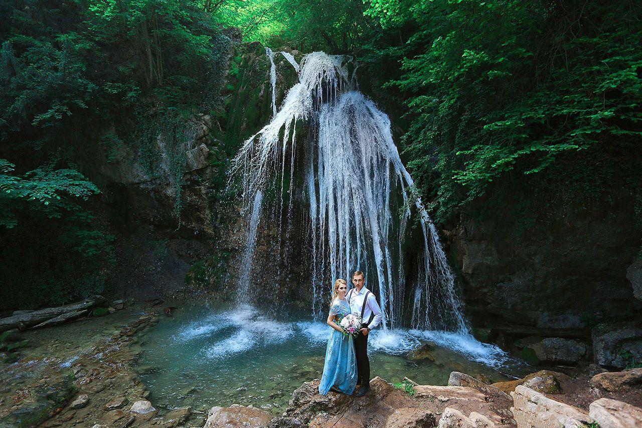 Свадьба для двоих возле водопада Джур-Джур в Крыму